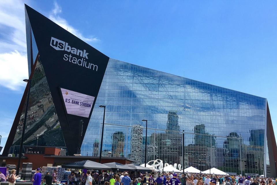 Vikings US Bank Stadium-(3) Geared Traction Freight- 10,000 lb _ 12,000 lb Capacity